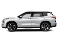 2022 Mitsubishi Outlander LE White Diamond  Shot 4