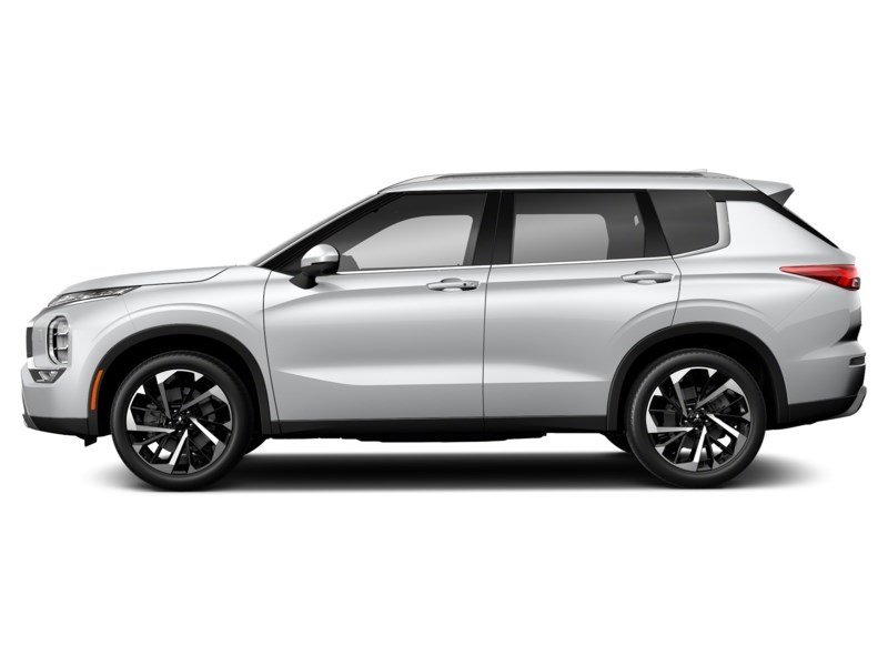 2022 Mitsubishi Outlander LE White Diamond  Shot 2